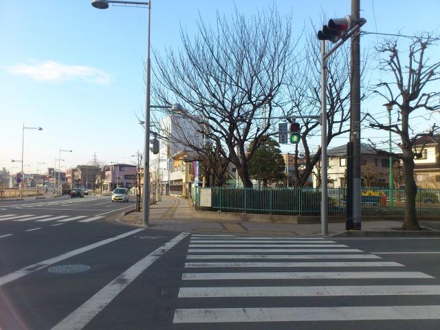 川越駅西口脇田本町公園前の横断歩道