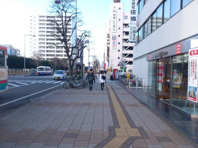 川越駅西口バス通り