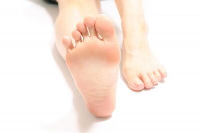 足の薬指のゆがみ