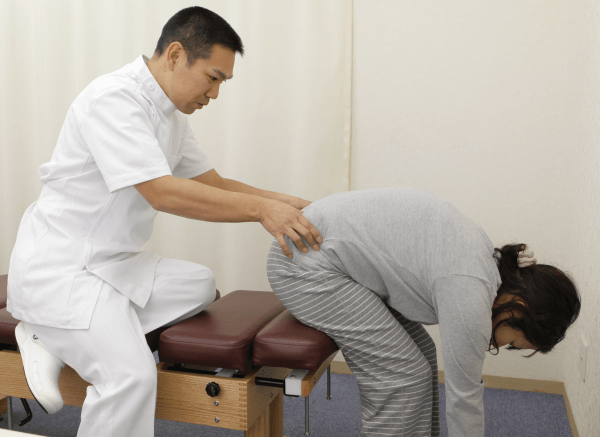 腰椎の施術
