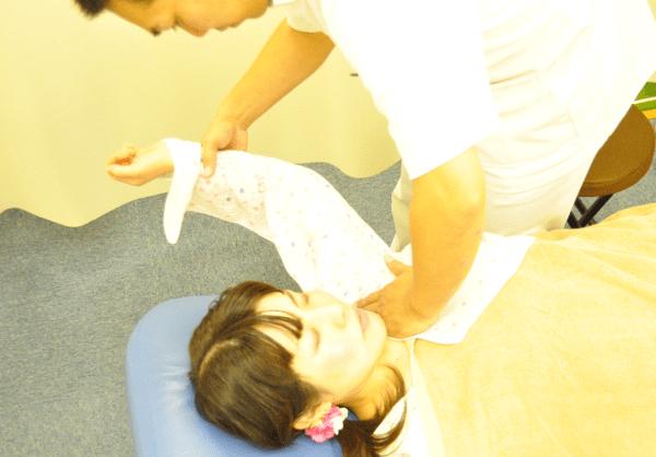 肋骨間の施術